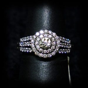 Image of a round diamond wedding ring on the jewelry store OKC page