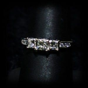 Image of a three diamond wedding ring on the jewelry store OKC page